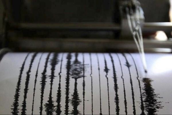 Ισχυρός σεισμός 7,5 ρίχτερ στην Ινδονησία!