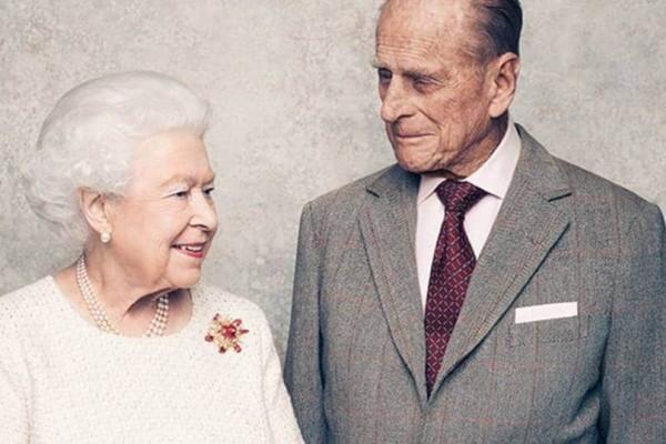 Πρίγκιπας Φίλιππος: Ο άντρας που πλήγωσε τη βασίλισσα Ελισάβετ! Οι απιστίες, τα πάρτι και η αλλαγή ονόματος!
