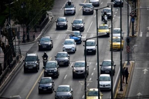 Κίνηση στους δρόμους: Κυκλοφοριακό χάος στην Αθήνα!