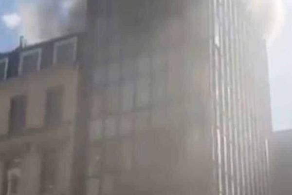 Μεγάλη πυρκαγια ξέσπασε σε κτίριο στο Λονδίνο!