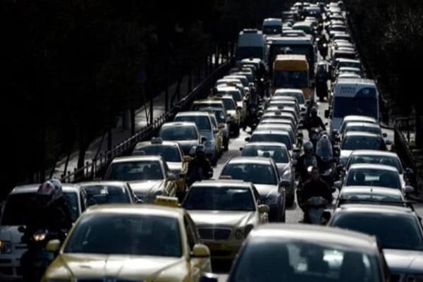 Κίνηση στους δρόμους: Xάος στην Αθήνα - Απίστευτο μποτιλιάρισμα!