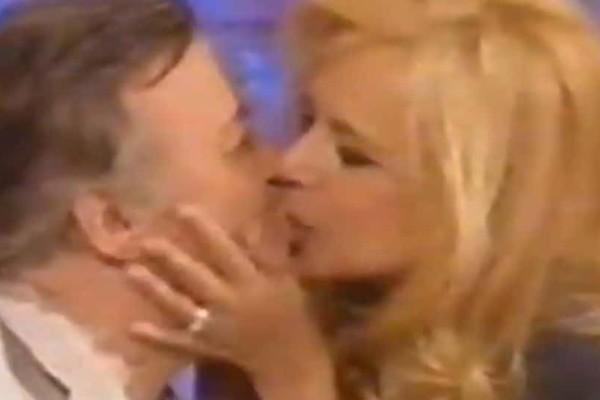 Αλίκη Βουγιουκλάκη: Φίλησε τον Δημήτρη Παπαμιχαήλ στο στόμα πολλά χρόνια μετά τον χωρισμό τους! Λίγες μέρες μετά ήταν νεκρή!