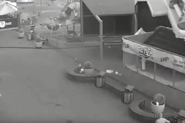 Τρομακτικό ατύχημα: Φουσκωτό κάστρο «πέταξε» στον αέρα ενώ βρισκόντουσαν μέσα παιδιά! (Video)