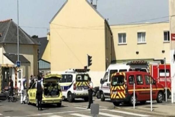 Πυροβολισμοί σε τέμενος στην Γαλλία!