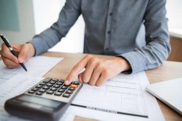 Φορολογικές δηλώσεις: Οι 5 παγίδες - Πώς θα γλιτώσετε τα πρόσθετα χαράτσια!
