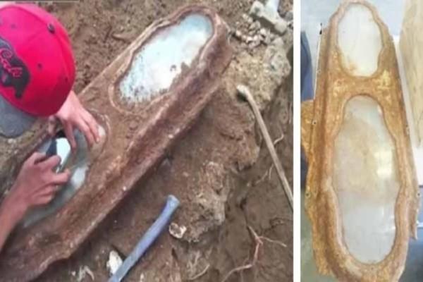 Έκαναν ανακαίνιση στο σπίτι και ανακάλυψαν ένα θαμμένο φέρετρο...Μόλις το άνοιξαν πάγωσαν!