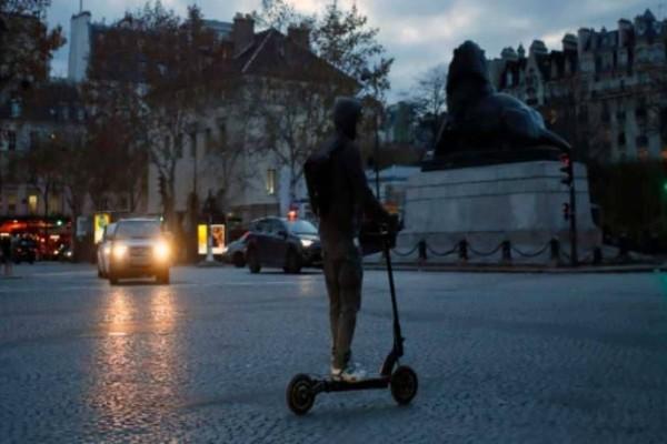 Παρίσι: Νεαρός έχασε τη ζωή του από ηλεκτρικό πατίνι!