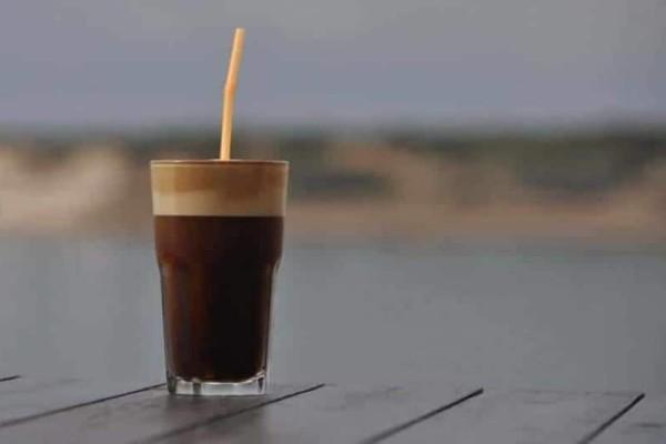 Καφές: Αν έχετε αυτά τα συμπτώματα, τότε θα πρέπει να τον μειώσετε!