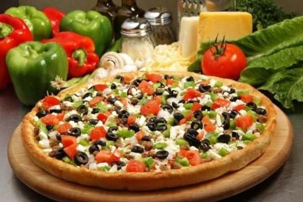 Φοβερή πίτσα χωριάτικη!
