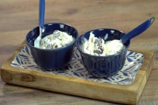 Σπιτικό παγωτό cookies & Cream, 3 υλικά! (video)