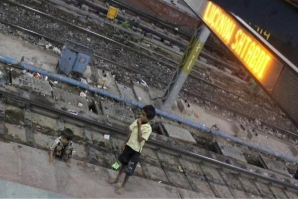 Φρίκη στην Ινδία: Δολοφόνησαν 2χρονο κοριτσάκι για ένα χρέος!