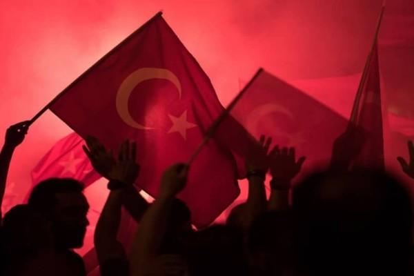 141 φορές ισόβια για 17 στρατιωτικούς στην Τουρκία!