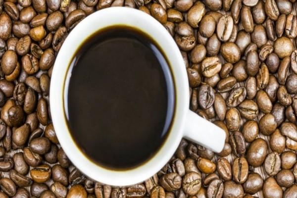 Ο 11χρονος που δεν μπορεί να ζήσει χωρίς καφέ!