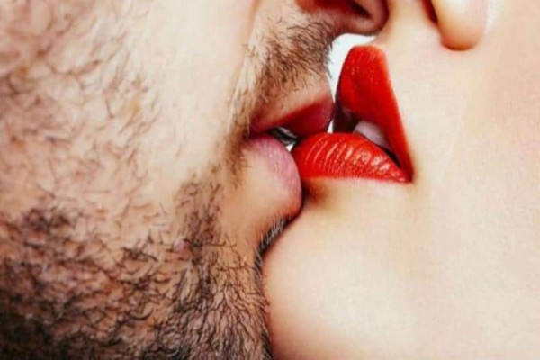 Ποιοι δίνουν τα καλύτερα φιλιά στον αστρολογικό χάρτη;