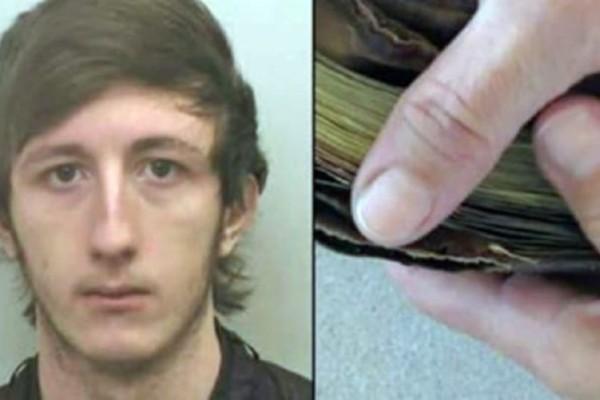 Κλέφτης κοιτάζει το πορτοφόλι που μόλις έκλεψε. Αυτό που είδε μέσα, τον έκανε να πάει και να παραδοθεί στην αστυνομία!