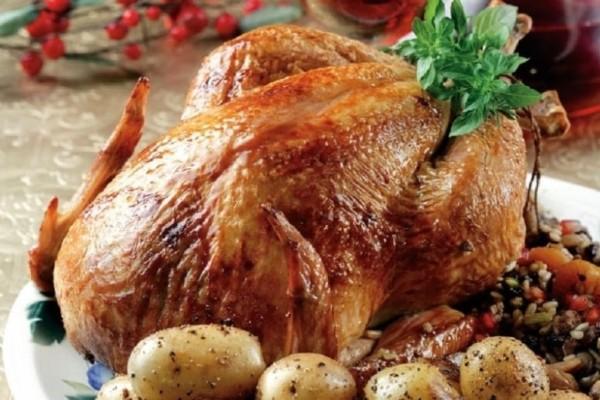 Πόσο παχαίνει το κοτόπουλο; Θερμίδες σε στήθος, μπούτι, φτερούγα – Τι κάνει η πέτσα;