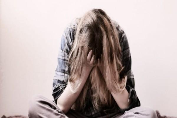 Πώς να βοηθήσετε κάποιον που βρίσκεται σε κρίση πανικού!