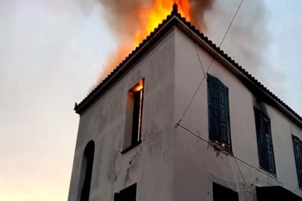 Λέσβος: Φωτιά στον Παλαιόκηπο! Καίγεται διπλοκατοικία! (Video)