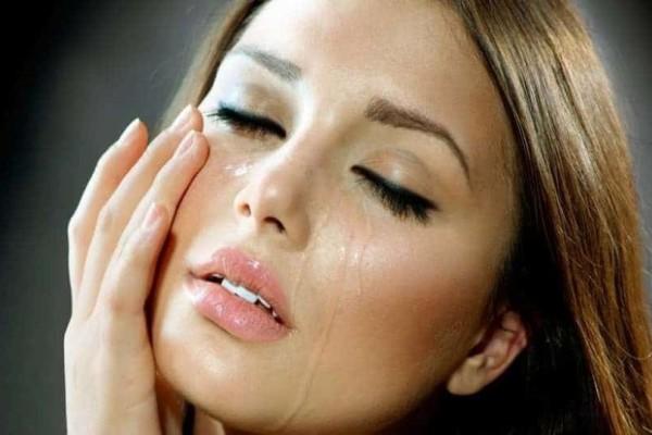 4+1 αιτίες που δακρύζουν τα μάτια σας!