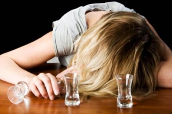 Αγρίνιο: Μεθυσμένη 14χρονη συνελήφθη για διατάραξη!
