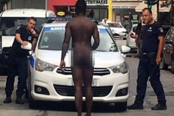 Αδιανόητο στη Λάρισα: Άντρας σταμάτησε γυμνός  μπροστά σε περιπολικό!
