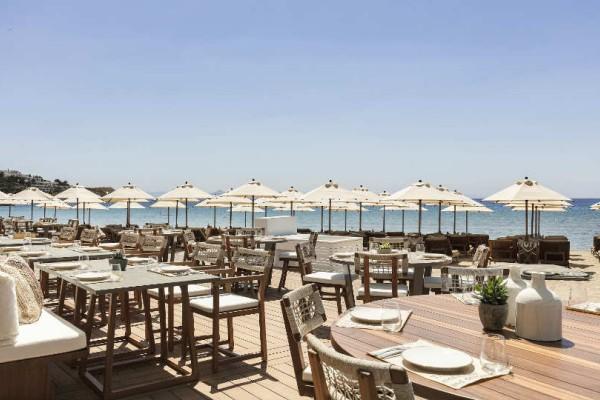 Το nice n easy Seaside επιστρέφει στην εμβληματική Astir Beach και επαναπροσδιορίζει την καλοκαιρινή all-day διασκέδαση!