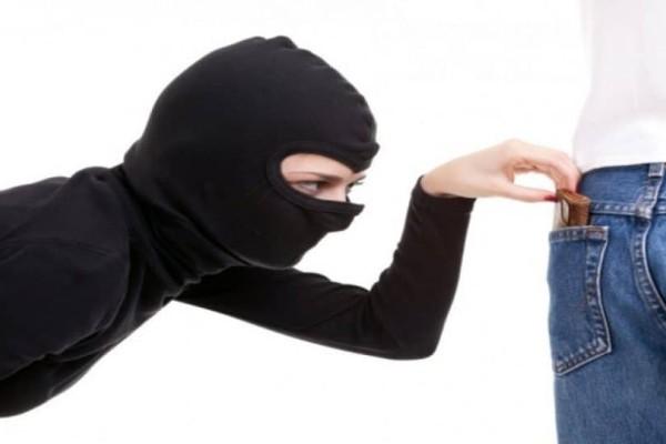 Πιερία: Αγκάλιαζαν πεζούς και τους...έκλεβαν!