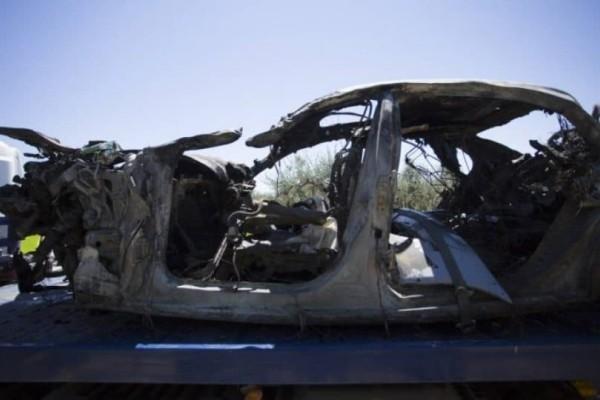 Εικόνες από το αμάξι του Ρέγιες - δεν έμεινε τίποτα!