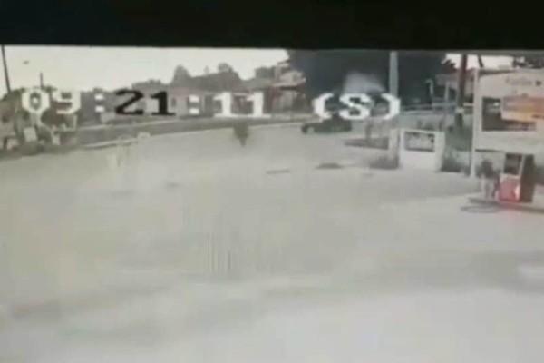 Σοκαριστικό τροχαίο: Tρακτέρ συγκρούστηκε με ποδηλάτη! (Video)