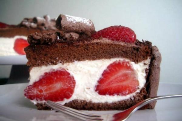 Κέικ σοκολάτας με φράουλες!
