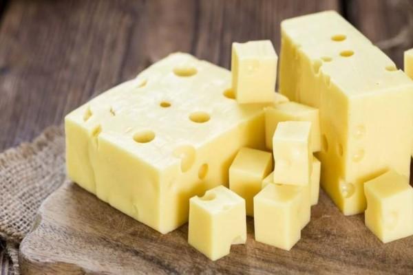 Ποιος είναι ο καλύτερος τρόπος για να διατηρούνται τα τυριά στο ψυγείο;