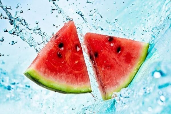 Δείτε τι θα συμβεί στο σώμα σας αν τρώτε μια φέτα καρπούζι κάθε μέρα για μία εβδομάδα!