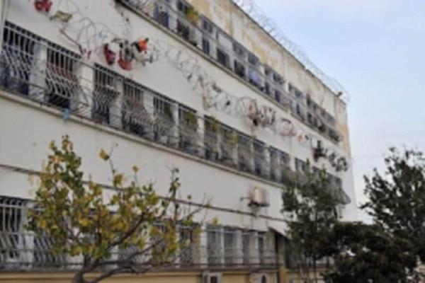 Κορυδαλλός: Κρατούμενος μετέτρεψε το κελί του σε σουβλατζίδικο!