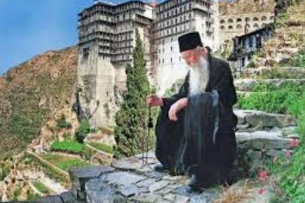 Συγκλονιστικό όραμα: Είδε στο Άγιο Όρος τον αγέννητο γιο του!
