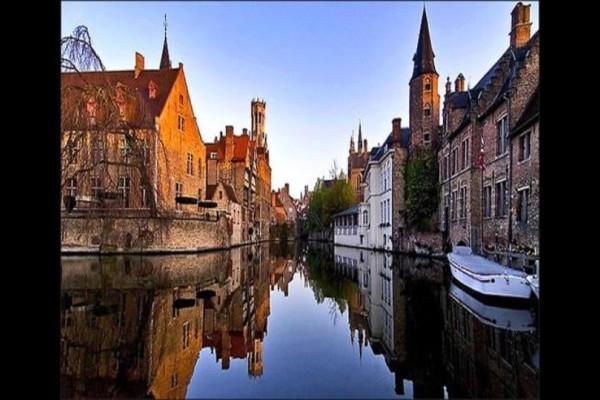 Η πιο όμορφη πόλη της Ευρώπης...βάζει στοπ στους τουρίστες!
