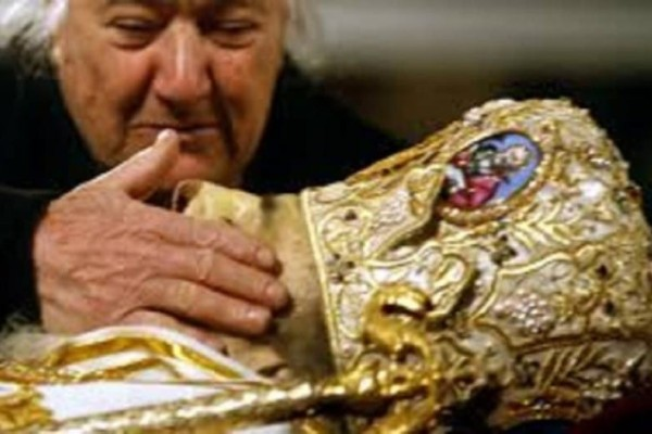 Σοκαριστικές δηλώσεις για τη δολοφονία του αρχιεπίσκοπου Χριστόδουλου! Το video θα σας καθηλώσει!