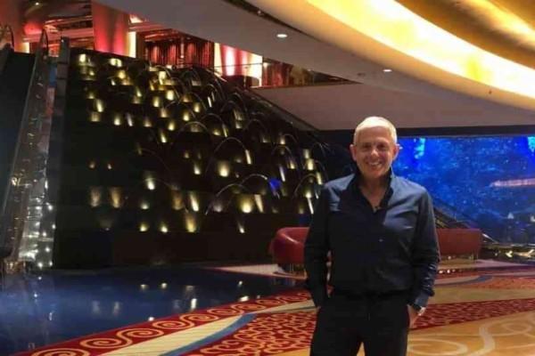 Εικόνες: Ο Τάσος Δούσης μας ταξιδεύει στο κοσμοπολίτικο Ντουμπάι!