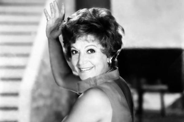Ρένα Βλαχοπούλου: Η ηθοποιός που γεννήθηκε και πέθανε τον μήνα Ιούλιο!