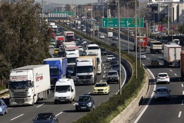 Κυκλοφοριακό κομφούζιο!  «Κόλαση» στον Κηφισό στο ρεύμα προς Πειραιά - Μποτιλιάρισμα χιλιομέτρων!