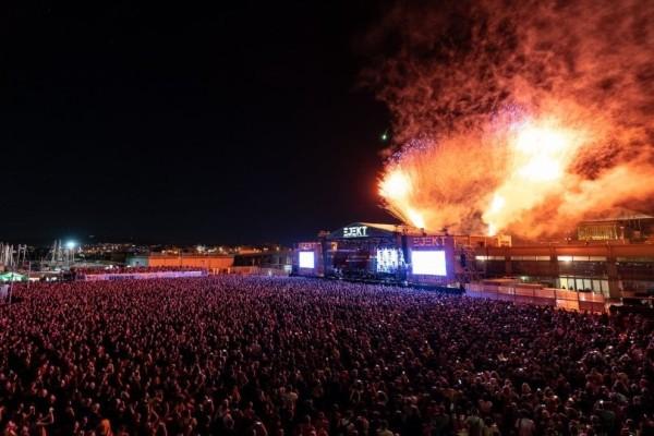 10 φωτογραφίες από την επική συναυλία των Cure! (Photos)