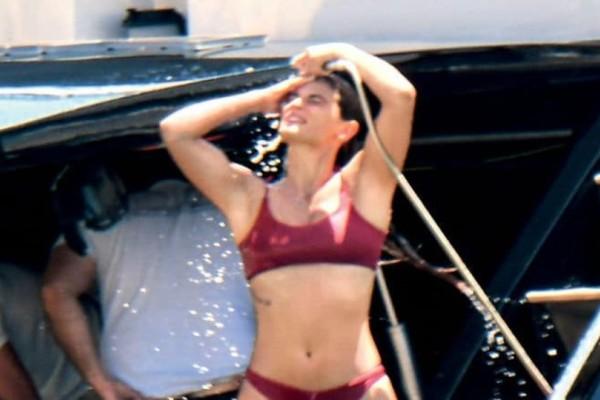 Τανιμανίδης - Μπόμπα: Φωτορεπορτάζ από το πανάκριβο σκάφος! Τα παιχνίδια και τα πλυσίματα στην ντουζιέρα!