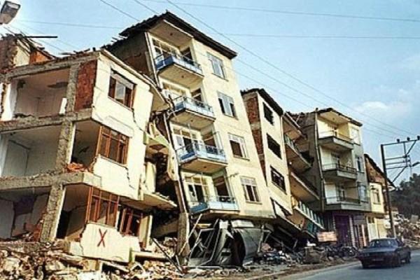 Όταν η προηγούμενη επίσκεψη του Εγκέλαδου στην Αθήνα άφησε πίσω 143 θανάτους και ζημιές τριών δισεκατομμυρίων ευρώ!