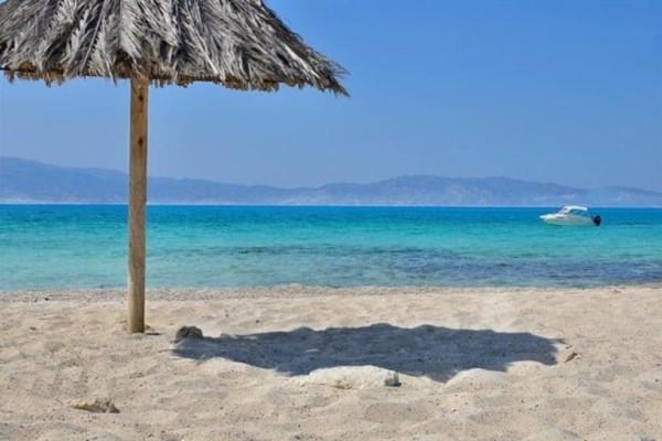 Αυτές είναι οι ωραιότερες παραλίες με άμμο και βρίσκονται στην Αττική!