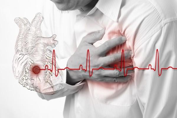 Προσοχή σταματήστε να το τρώτε: Υπάρχει σ' όλα τα σπίτια και προκλεί μέχρι και καρδιακές δυσλειτουργίες!