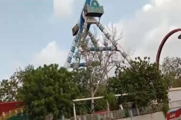 Τραγωδία:  Έσπασε στα δύο «ρόδα» σε λούνα πάρκ! Δύο νεκροί και 15 τραυματίες! (Video)
