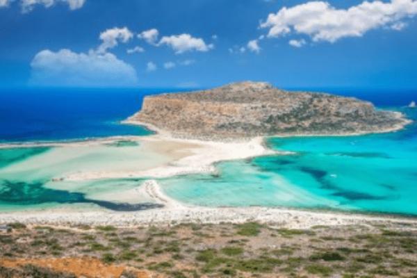 Χανιά: Τι περίεργο συμβαίνει στην πιο όμορφη παραλία της περιοχής;