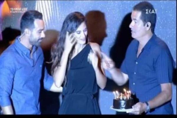 Survivor: Το φιλί του Τανιμανίδη στην Χριστίνα Μπόμπα για τα γενέθλια της! (Video)