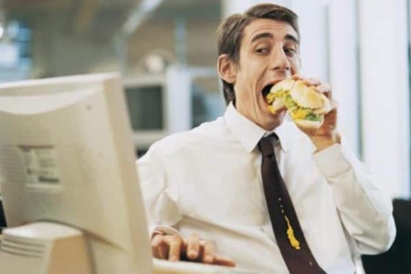 Ο τρόπος που γευματίζετε αποκαλύπτει τα πάντα για την προσωπικότητα σας!
