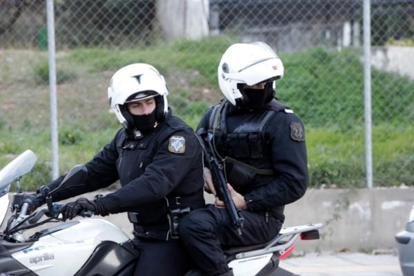Τρελή καταδίωξη στην Αττική Οδό: Τραυματίστηκαν 3 αστυνομικοί!