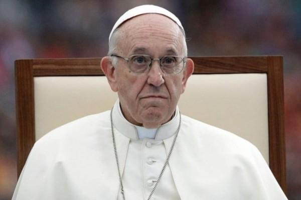 Ο Πάπας στο πλευρό των μεταναστών!